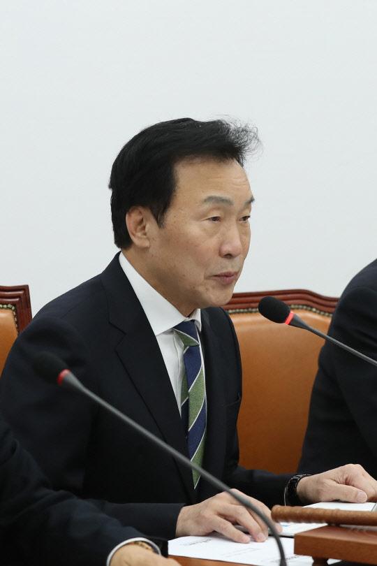 """孫 """"셀프제명 무효""""… 安 """"피치못한 결정"""""""